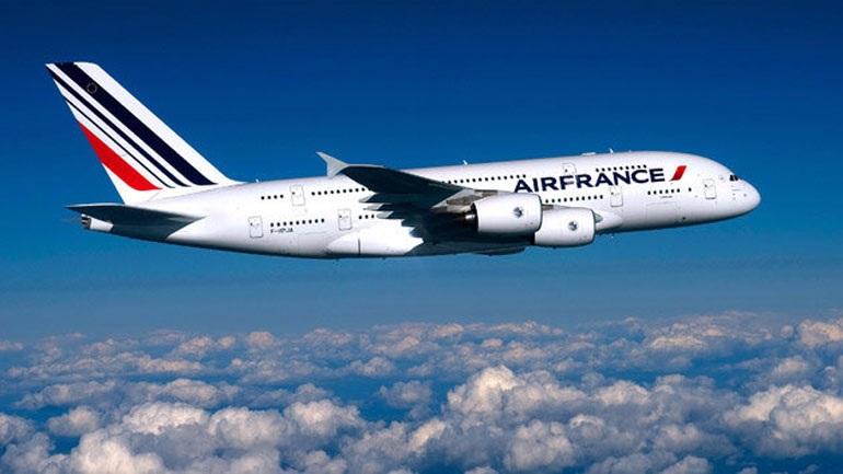 Air France: Aπολύσεις λόγω επίθεσης σε διευθυντικά στελέχη