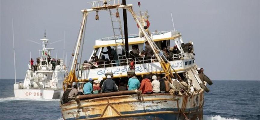 Μεγάλη φουρνιά προσφύγων εγκατέλειψαν τα ξημερώματα δουλέμποροι στα Σκάντζουρα