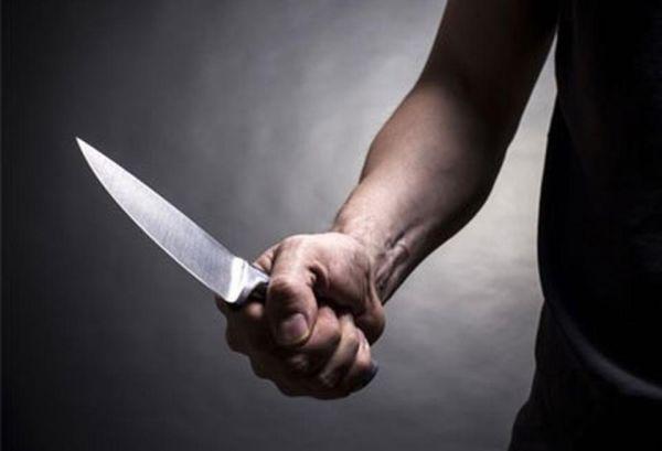 Επιτέθηκε με μαχαίρι σε ομοεθνή του για 10 ευρώ
