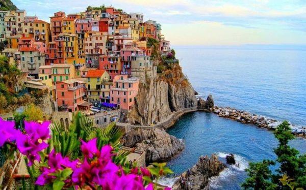 Μαναρόλα, το χρωματιστό χωριό της Ιταλίας