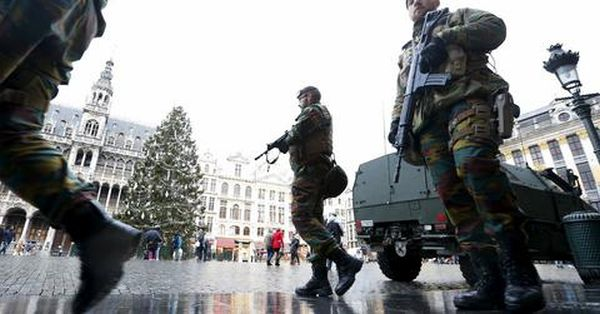 Βέλγιο: Μεγάλες δυνάμεις αστυνομικών στα σχολεία και το μετρό των Βρυξελλών