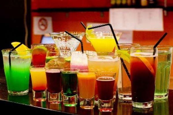 Αυξημένος κίνδυνος μέθης από τα ποτά με λάιτ αναψυκτικά