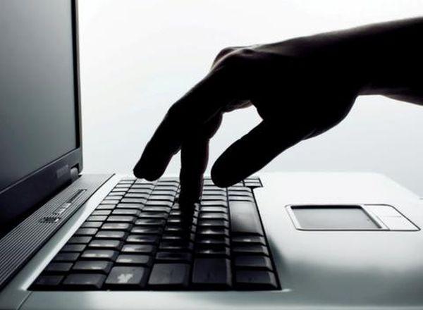 Συνελήφθη 44χρονος για πορνογραφία ανηλίκων μέσω διαδικτύου