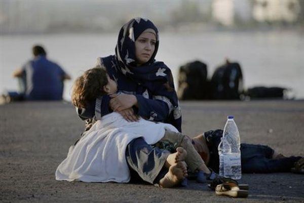 Συγκεντρώνουν είδη για τους πρόσφυγες