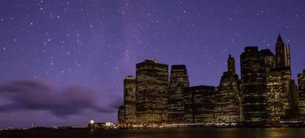 Ετσι θα ήταν ο ουρανός τη νύχτα αν δεν υπήρχε φωτορύπανση (βίντεο)