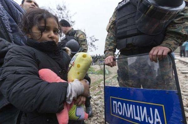 ΠΓΔΜ: Φράχτη στα σύνορα με την Ελλάδα υψώνει ο στρατός
