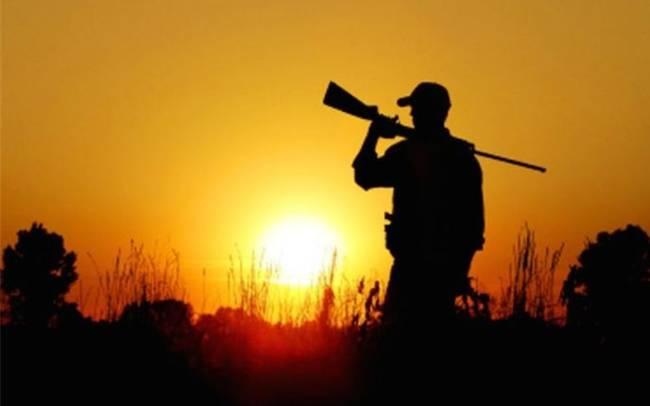 Πυροβολήθηκε στο κυνήγι κατά λάθος από φίλο του