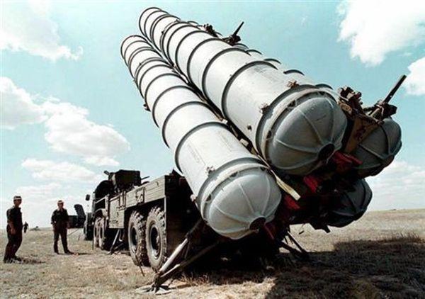 Η Ρωσία «αρχίζει τις παραδόσεις» των πυραύλων S-300 στο Ιράν
