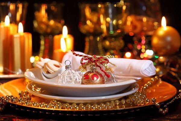 Χριστουγεννιάτικο τραπέζι σε 10.044 πολίτες