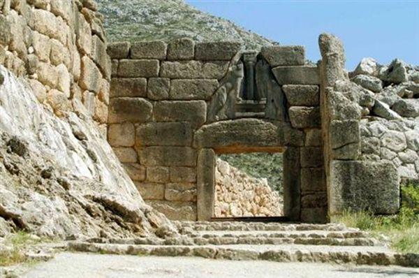 «Ατυχής παρεκτροπή» η «ανακάλυψη του θρόνου του Αγαμέμνονα»