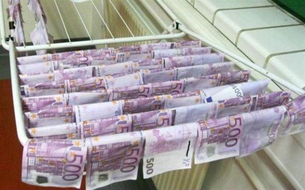 Νεαρός ψάρεψε... 100.000 ευρώ στον Δούναβη