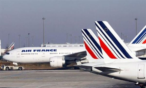 """Αλλαγή πορείας πτήσης της Air France λόγω """"ανώνυμης απειλής"""""""