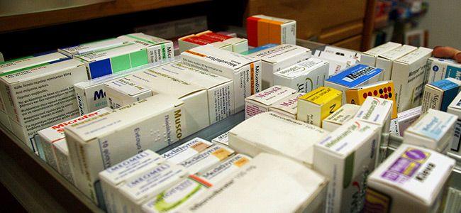Αδειάζουν τα ράφια φαρμακείων