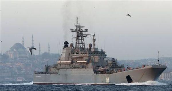 Ρωσικά πλοία ανάγκασαν τουρκικό πλοίο να αλλάξει πορεία