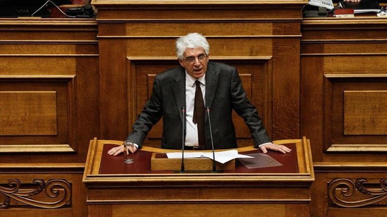 Παρασκευόπουλος: Η υιοθεσία από ομόφυλα ζευγάρια δεν θα επιτραπεί