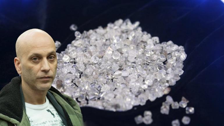 Φύλακας συνελήφθη για κλοπή διαμαντιών που βρήκε… πεταμένα στα σκουπίδια!