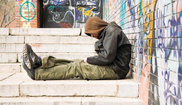 Κεραμίδι για οκτώ οικογένειες αστέγων