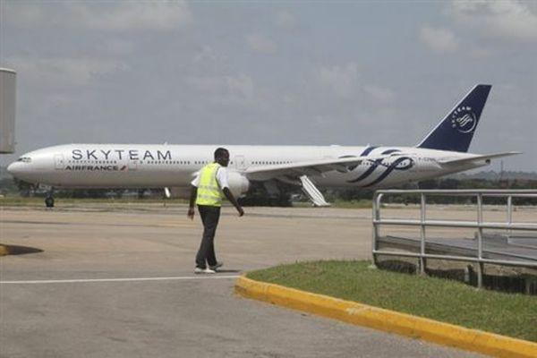 Κρατείται ζευγάρι επιβατών για την ψεύτικη βόμβα στην πτήση της Air France
