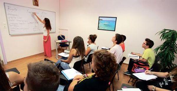 Palmos Analysis: 9.000 € κοστίζουν τα φροντιστήρια για τις τρεις τάξεις του λυκείου