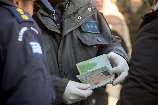 Frontex: Η Ελλάδα θα πρέπει να κάνει συστηματικότερα απελάσεις λόγω ΠΓΔΜ