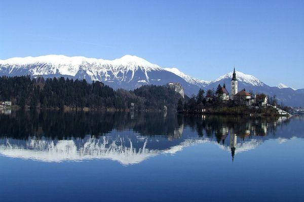 Το μοναδικό νησί της Σλοβενίας είναι σε λίμνη!