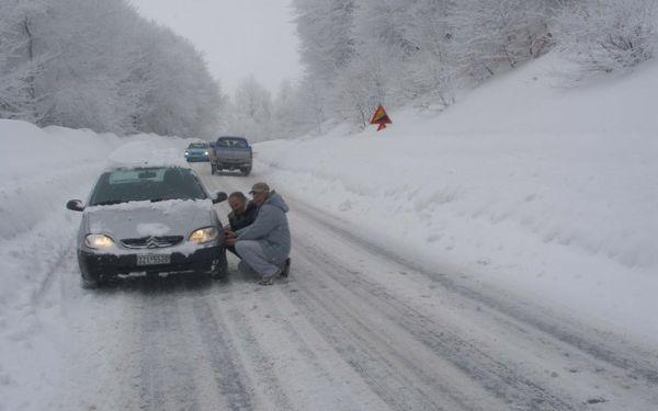 Πώς οδηγούμε στο χιόνι
