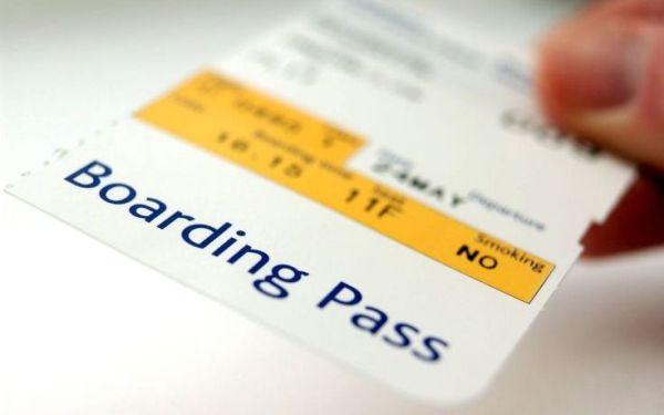 Γιατί δεν πρέπει να «ποστάρετε» το αεροπορικό σας εισιτήριο στο Facebook