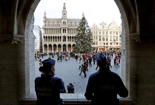 Βρυξέλλες: Συνελήφθη και 10ος ύποπτος για τις επιθέσεις του Παρισιού