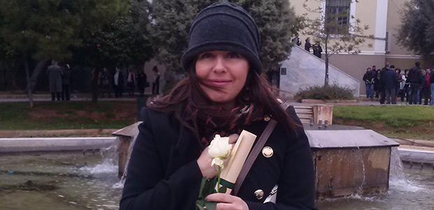 Πολυβραβευμένη Βολιώτισσα συγγραφέας ΓΡΑΦΕΙ ΙΣΤΟΡΙΕΣ ΠΟΥ ΣΥΓΚΙΝΟΥΝ