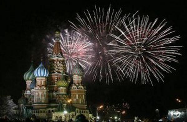 Πετώντας με drone πάνω από τη γιορτινή Μόσχα!