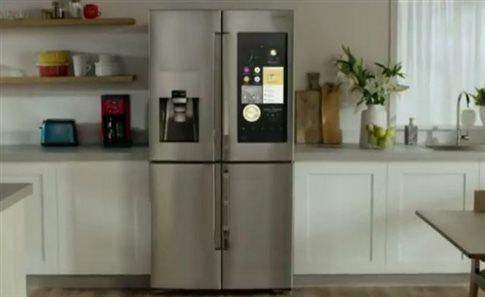 Το σύγχρονο ψυγείο έχει οθόνη αφής, κάμερες και ηχεία