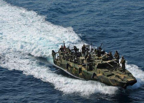 Απελευθερώνονται σήμερα οι 10 Αμερικανοί ναύτες που κρατά το Ιράν
