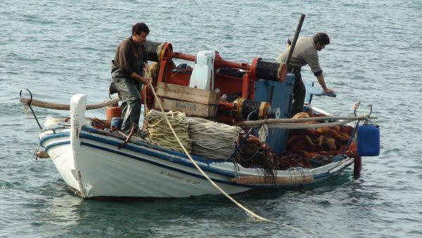 Σε κινητοποιήσεις και οι αλιείς