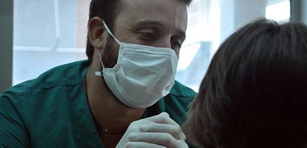 Βολιώτης οδοντίατρος στην αφίσα των Γιατρών του Κόσμου
