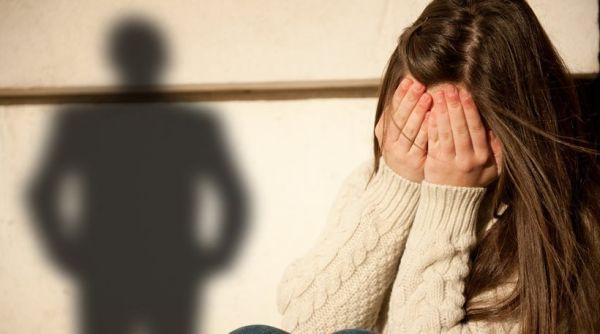 56χρονος πιάστηκε επ' αυτοφώρω να αποπλανά 14χρονη σε ξενοδοχείο