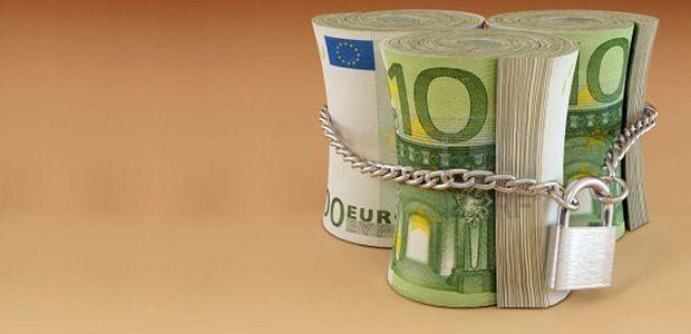 Εκατοντάδες κατασχέσεις λογαριασμών για οφειλές σε ταμεία και εφορία