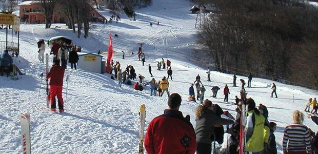 Απόλαυσαν το χιόνι εκατοντάδες επισκέπτες