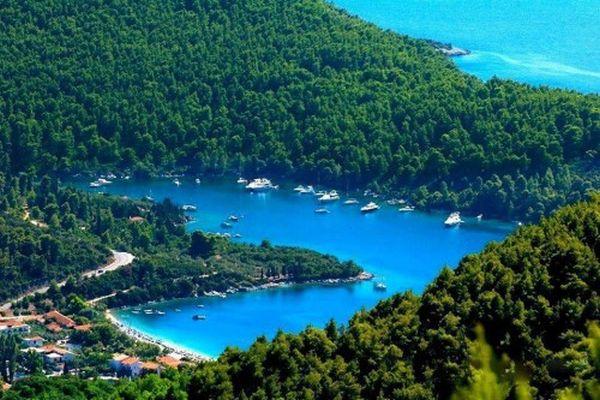 Με το βλέμμα στην Τουρκία η Σκόπελος…