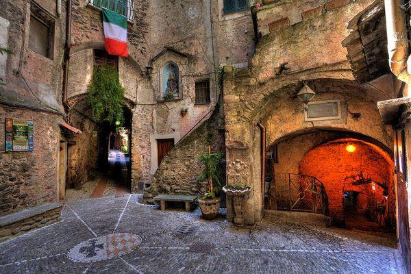 Dolceacqua: Ένα πανέμορφο μεσαιωνικό χωριό στην Ιταλία!