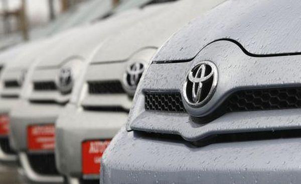Πρωτιά της Toyota στις πωλήσεις αυτοκινήτων και το 2015