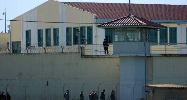 Κρύβονται σε Βόλο - Λάρισα οι «εισβολείς» της εφόδου στις φυλακές Τρικάλων