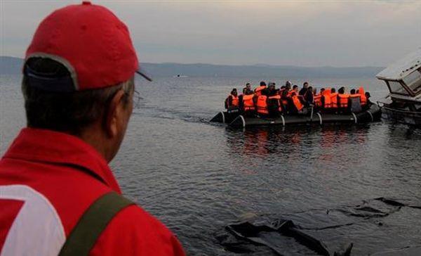 Εντοπισμός 48 προσφύγων σε ξύλινο σκάφος στη Σαμοθράκη