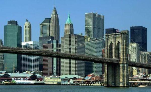 «Παρέλυσαν» τα εμπορευματικά λιμάνια της Νέας Υόρκης