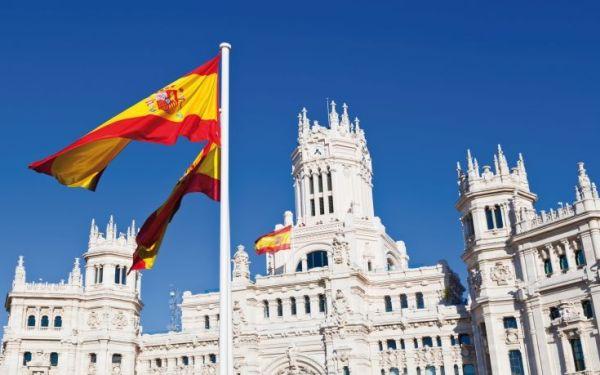 Ρεκόρ τουριστών το 2015 στην Ισπανία