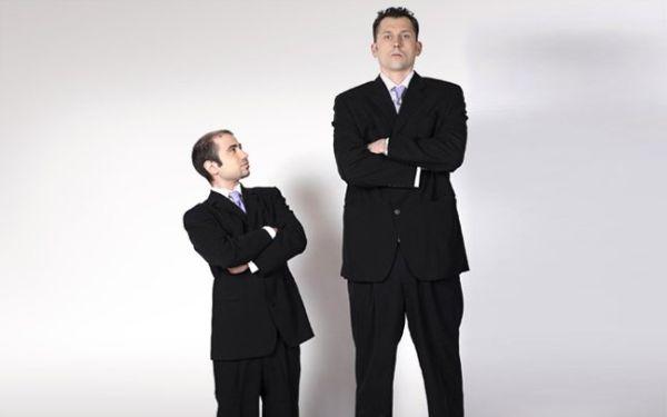 Οι ψηλοί κινδυνεύουν λιγότερο από καρδιά, περισσότερο από καρκίνο