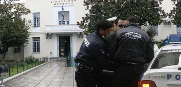 Υπεύθυνοι χρηματοαποστολής των ΕΛΤΑ σκηνοθέτησαν ληστεία