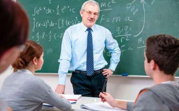 Φρένο στις συντάξεις εκπαιδευτικών