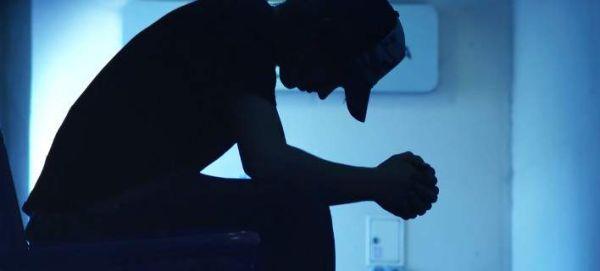 Δοκιμάζουν το πρώτο φάρμακο κατά των τάσεων αυτοκτονίας