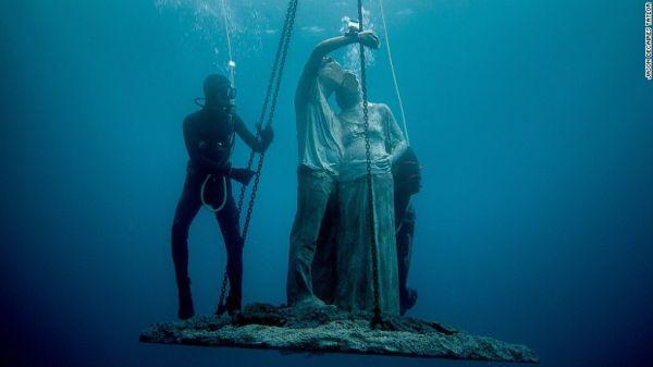 Ανοίγει το πρώτο υποβρύχιο μουσείο της Ευρώπης (φωτο)