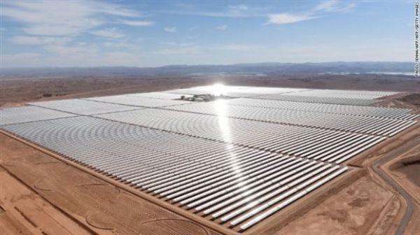 Σαχάρα: μπήκε στην «πρίζα» το μεγαλύτερο πάρκο ηλιακής ενέργειας στον κόσμο